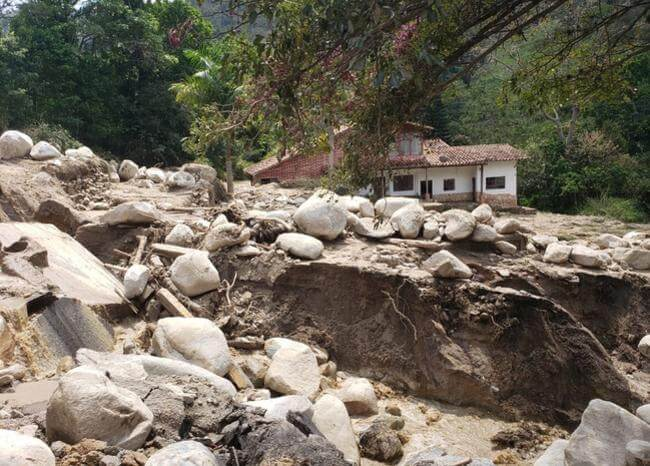 Habitantes de trece municipios incomunicados en Santander