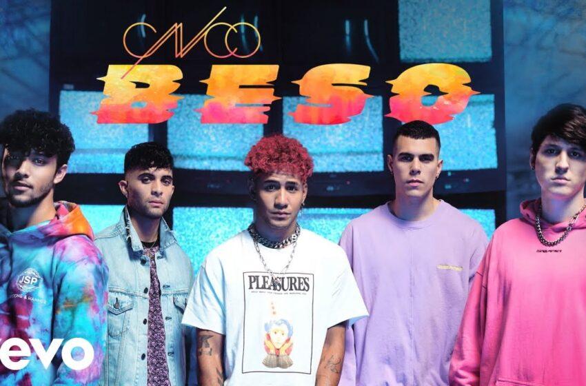 08. Un Beso – CNCO